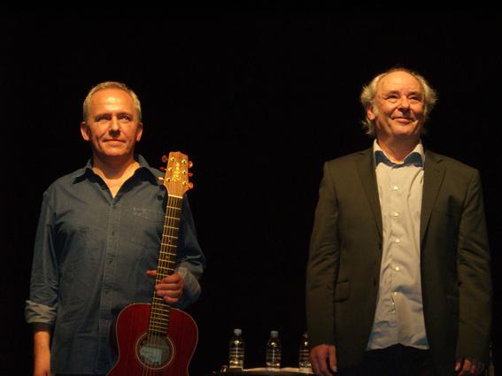 Avec Maxime Le Forestier © Cordes sensibles (2011)