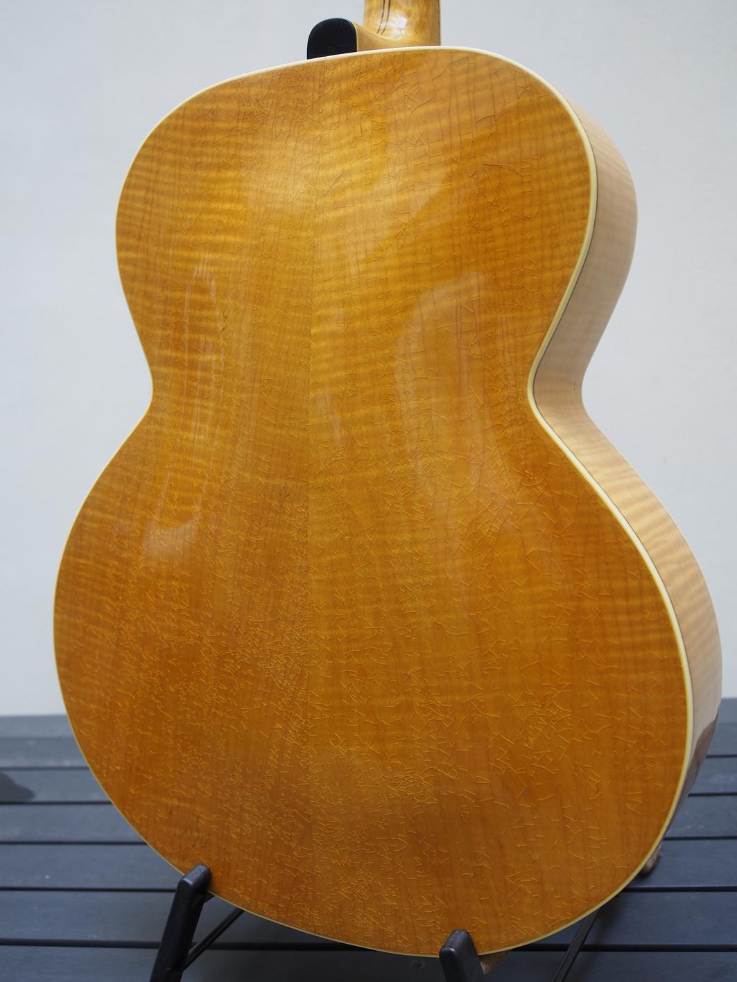 Dos Guitare Stromberg