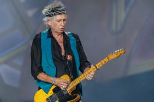 INDIANAPOLIS, IN - JUL 04: Keith Richards of the Rolling Stones performs at the Indianapolis Motor Speedway on July 4, 2015 in Indianapolis, Indiana. (Photo by Michael Hickey/Getty Images)