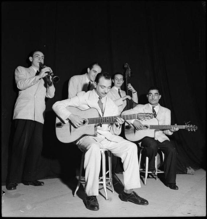 © Roger Parry De g. à dr. : Hubert Rostaing, Pierre Fouad, Django, Emmanuel Soudieux, Eugène Vées